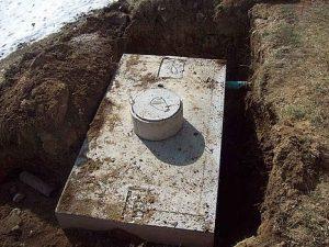 szambo betonowe w ziemi